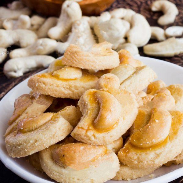 premium vegan almond cookies